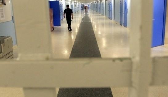 3140024-le-controleur-des-prisons-fait-le-bilan-les-fouilles-en-accusation